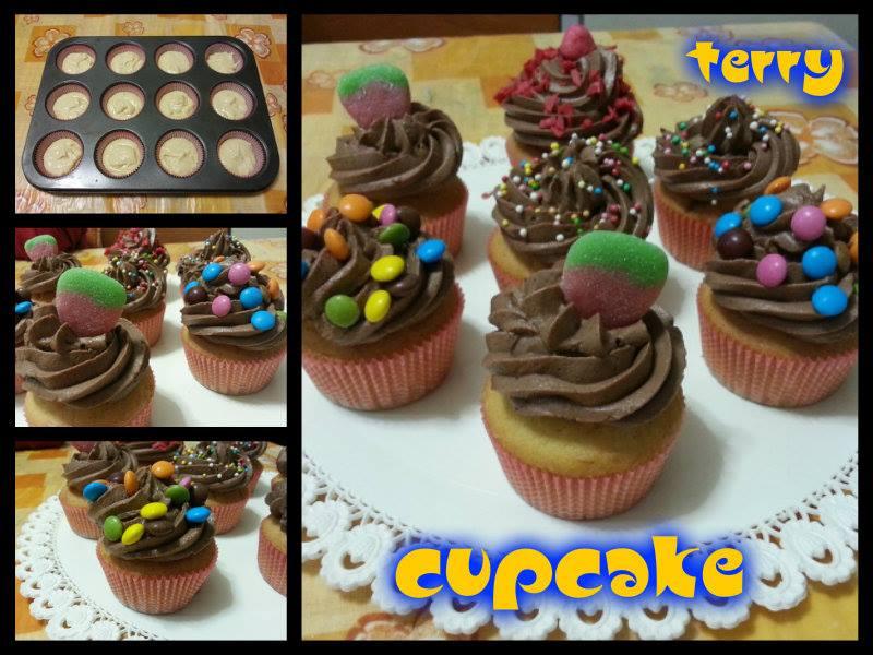 Ricetta cupcake con frosting al cioccolato