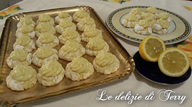 Ricetta biscotti morbidi al limone con crema di limone