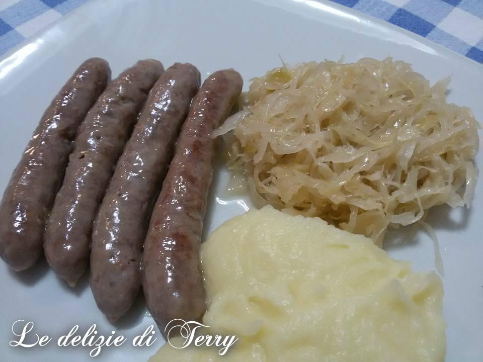 Ricetta salsiccia con crauti e purè