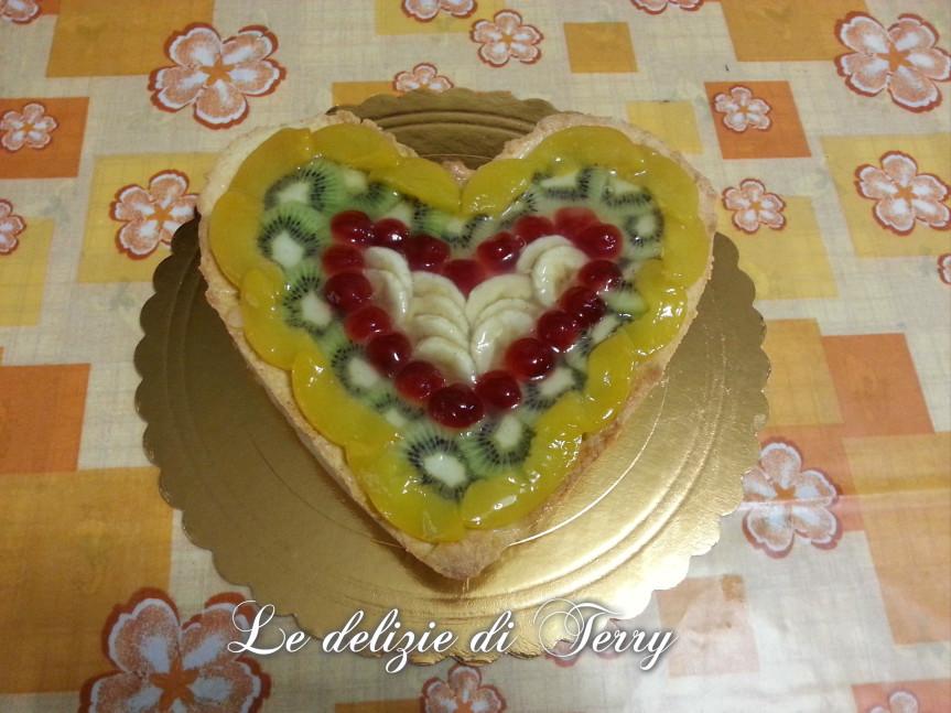 Ricetta crostata cuore di crema e frutta